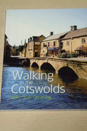 Walking in the Cotswolds: With Sue Gearing ISBN: 9781845470890