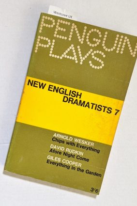 New English Dramatists 7 Penguin Plays Chips with Everything Afore Night Come  Everything in the Garden ISBN: