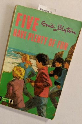 Five Have Plenty  ISBN: 9780340042502