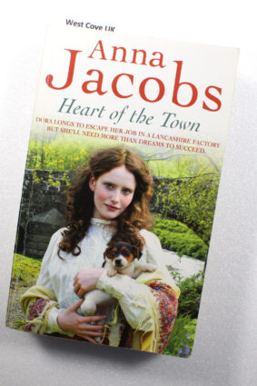 Heart of the Town Ssa by Jacobs Anna ISBN: 9781444725087