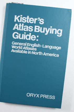 Kister's Atlas Buying Guide: General English-Language World Atlases Available in North America ISBN: 9780912700625