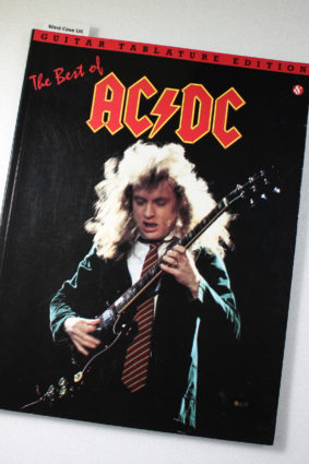 The Best of AC/DC: Guitar Tab by AC/DC ISBN: 9780825625824