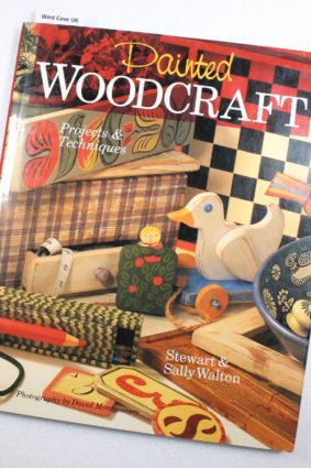 Painted Woodcraft by Walton Stewart; Walton Sally ISBN: 9780806995823