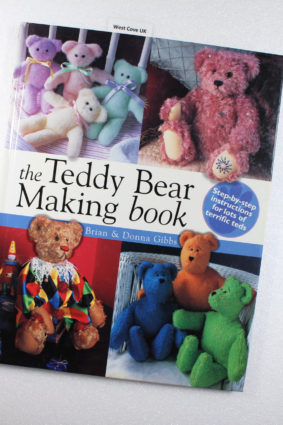 The Teddy Bear Making Book : Step-By-Step Instructions for Lots of Terrific Teds by Gibbs Brian; Gibbs Donna ISBN: 9780715314807