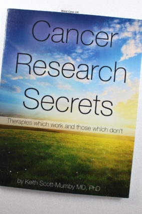 Cancer Research Secrets: Therapies which work and those which don't by Scott-Mumby Keith; Balasoiu Dragos ISBN: 9780983878407