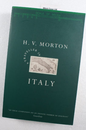 A Traveller in Italy by Morton H.V. ISBN: 9780413754301