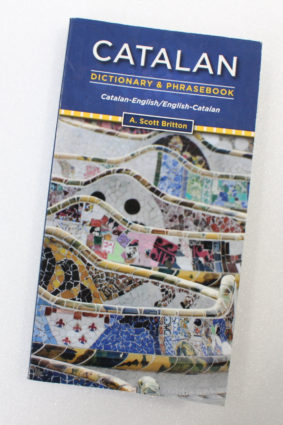 Catalan-English/English-Catalan Dictionary & Phrasebook by Britton A. ISBN: 9780781812580