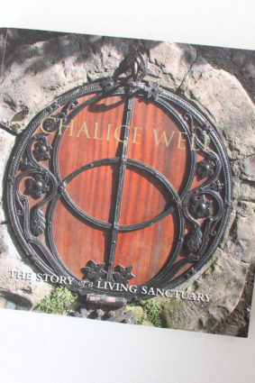 Chalice Well: Story of a Living Sanctuary by Paul Fletcher ISBN: 9781906810016