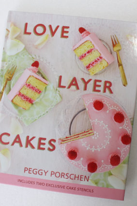 Love Layer Cakes: Over 30 recipes and decoration ideas for scrumptious celebration bakes ISBN: 9781849495523