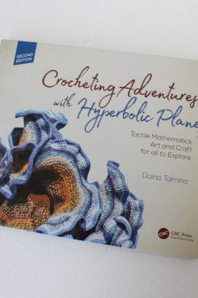 Crocheting Adventures with Hyperbolic Planes by Taimina Daina ISBN: 9781138301153