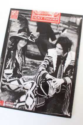 The White Stripes – Icky Thump by White Stripes ISBN: 9781603780292