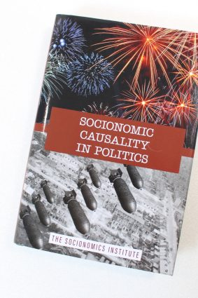 Socionomic Causality in Politics: How Social Mood Influences Everything from Elections to Geopolitics ISBN: 9781946597052