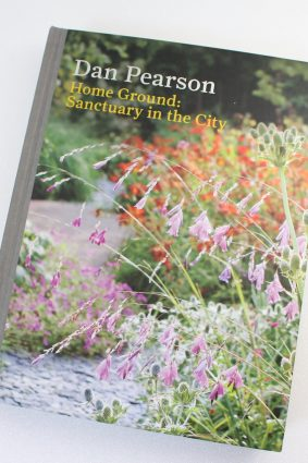 Home Ground: Sanctuary in the City by Dan Pearson ISBN: 9781840915372