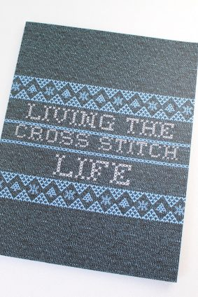 Living The Cross Stitch Life: Cross Stitchers Journal – DIY Crafters – Hobbyists – Pattern Lovers – Collectibles – Gift For Crafters – Teens – Adults – How To – Needlework Grid Templates  ISBN: 9781952035395