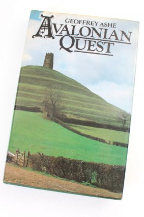 Avalonian Quest by Geoffrey Ashe ISBN: 9780413488008