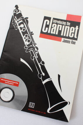 RAE JAMES – INTRODUCING THE CLARINET + CD by James Rae ISBN: 9790008061295
