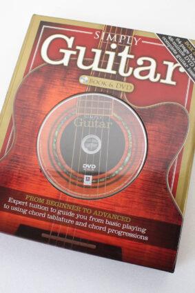 Steve MacKay Simply Guitar – Book And DVD  by Steve MacKay ISBN: 9781743528976