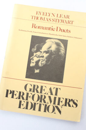 Evelyn Lear And Thomas Stewart Romantic Duets (Voices) Vce (Great Performers Edition)  ISBN: 9780793512409