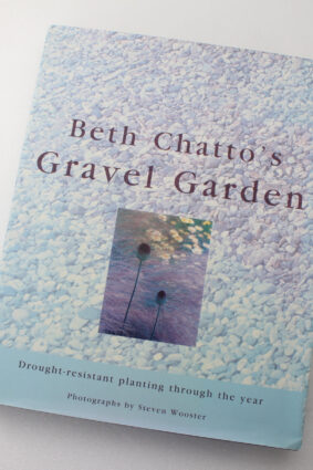 Drought Resistant Planting by Beth Chatto Steven Wooster ISBN: 9780711214255